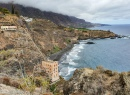 Blick auf die Casa Hamilton vom Küstenwanderweg aus Richtung Punta Brava kommend.