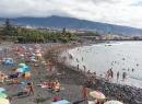 Hinten ist das blaue Hotel Maritim zu sehen, die Häuser davor gehörten zum Ortsteil Punta Brava.