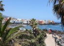 """...in Richtung Meer zum """"Gartenstrand"""", dem Playa Jardin in Puerto de la Cruz."""