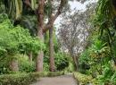 Jeder Bereich des Gartens ist über gut erschlossene Wege zu erreichen.