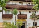 Direkt gegenüber befindet sich das Hotel Monopol - eines der ältesten Hotels in Puerto.