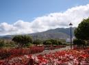 Zahlreiche Bewohner bevölkern diesen malerischen Weg am östlichen Rand von La Paz...