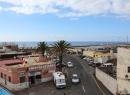 """Blick auf eine der """"Dreckecken"""": Am Beginn der Calle Mequinez bietet sich leicht erhöht dieser Ausblick Richtung Meer..."""