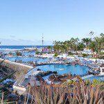 Die Costa Martiánzes lockt mit ihren Meerwasser-Schwimmbädern die Gäste an.