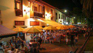 Die Plaza del Charco ist der bekannteste Platz in Puerto de la Cruz.