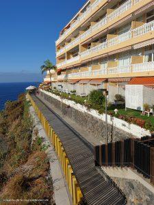 Der 2019 neu gestaltete Weg an der Steilküste vom Mirador La Paz in Richtung Hotel Atlantic Mirage.