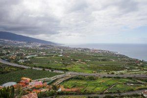 Blick auf Puerto de la Cruz vom Mirador Humboldt aus.